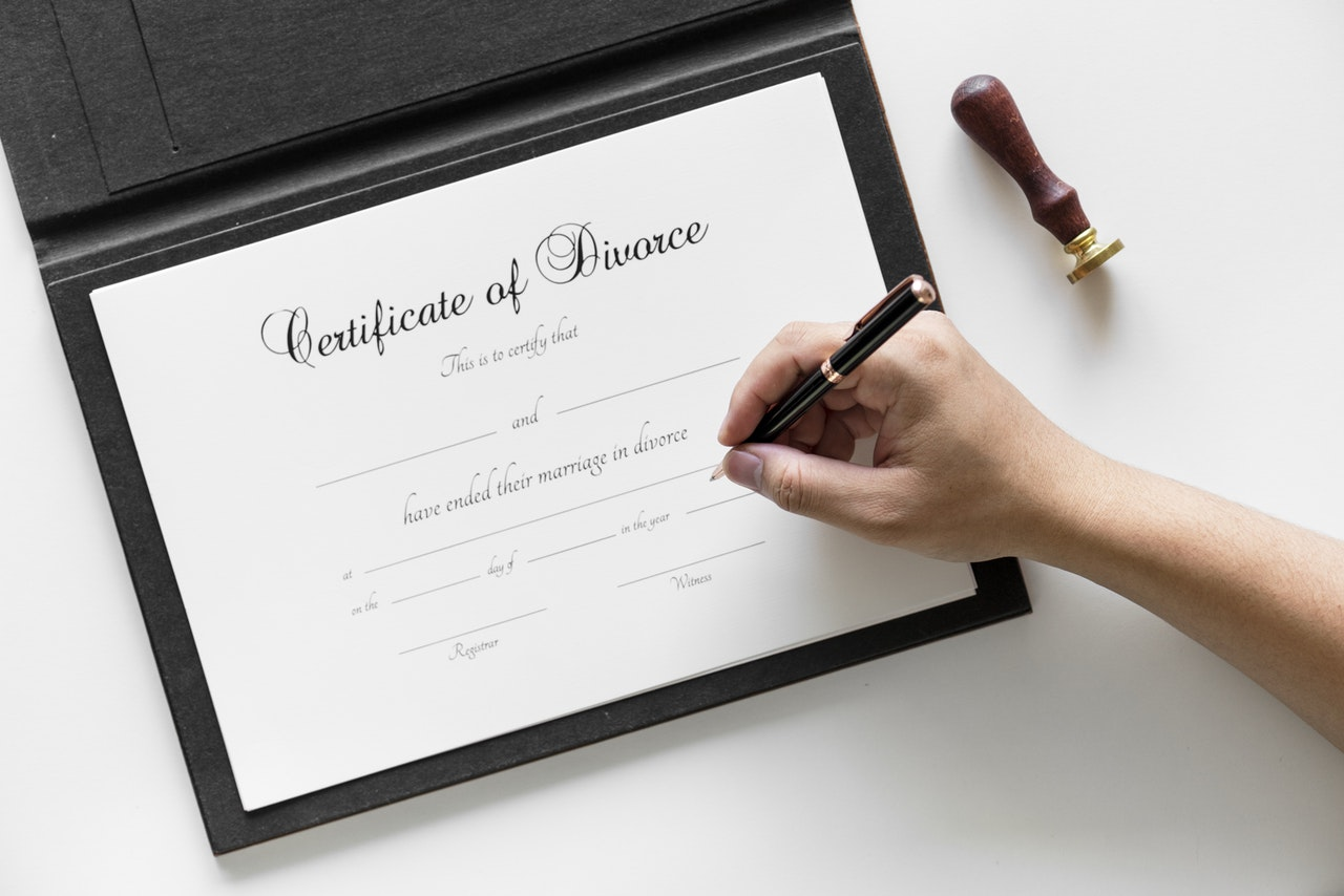 Prawnik podczas problemów małżeńskich